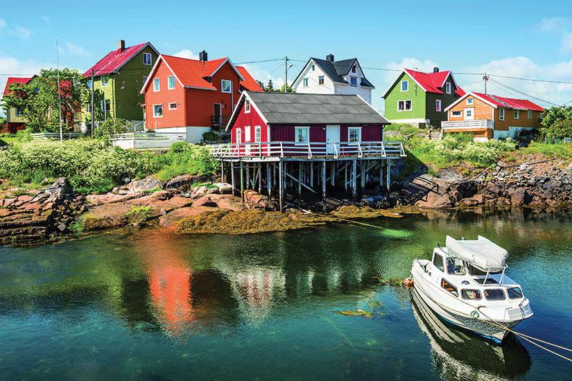 image Norvege Henningsvaer Village pecheurs  it