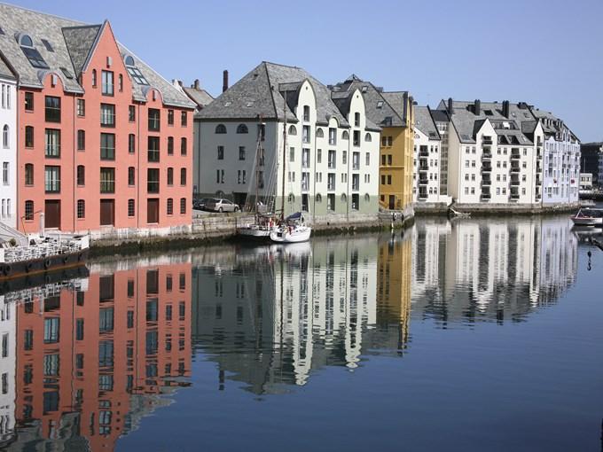 image Norvege alesund rivage