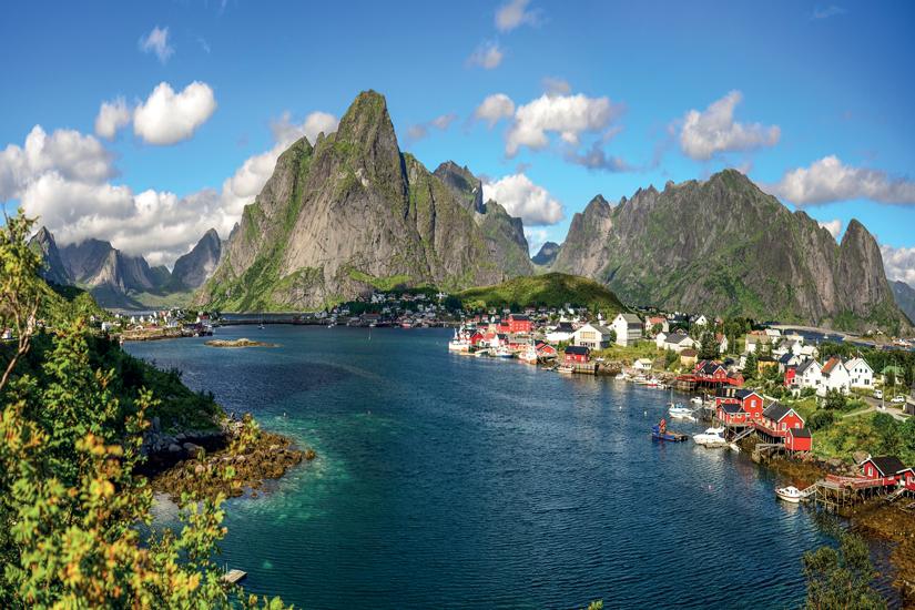 image Norvege iles lofoten huttes traditionnelles rorbu rouges 82 as_118847376