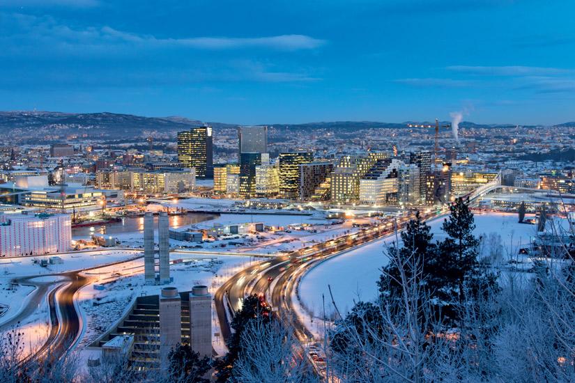 image Norvege oslo hiver noel neige horizon urbain ville paysage 25 it_512300726