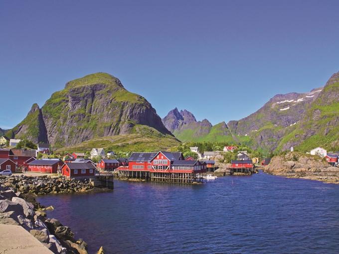 image Norvege village des iles lofoten