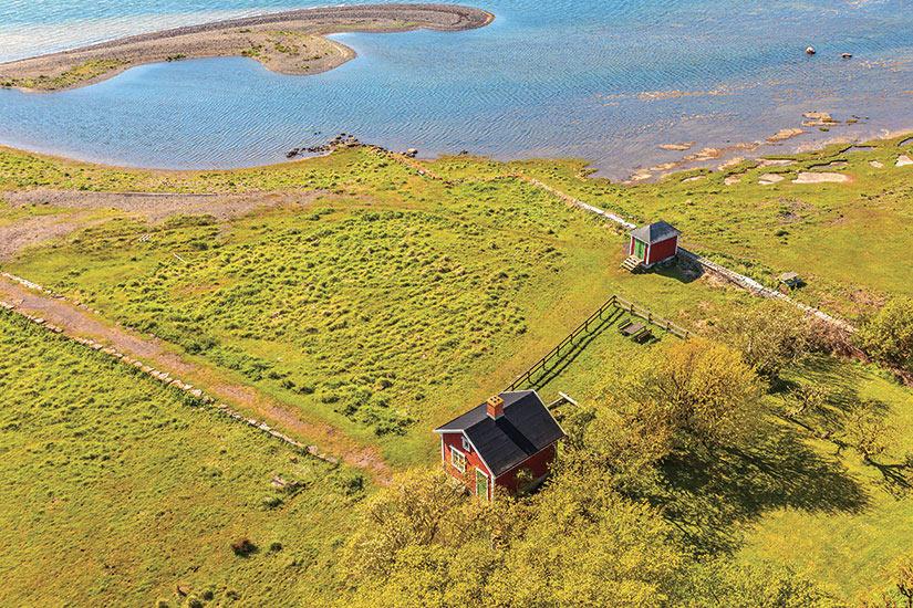 image Suede ile dOland typique maison suedoise rouge  fo
