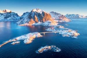autotour norvege lofoten vue aerienne reine hamnoy lever soleil hiver 05 it_931058522