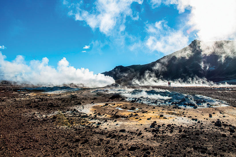 image Islande paysage avec fumerolles  it